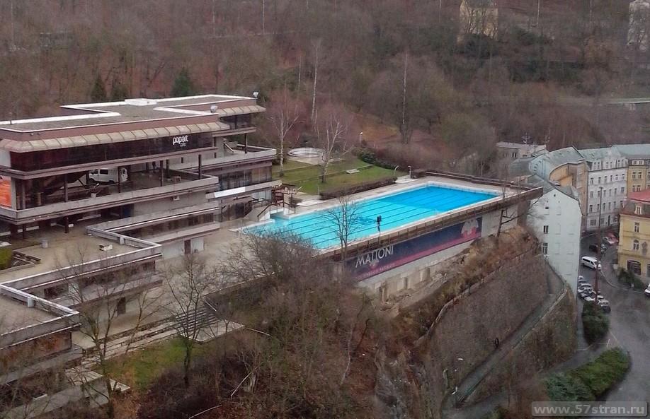 Карловы Вары - бассейн с минеральной водой
