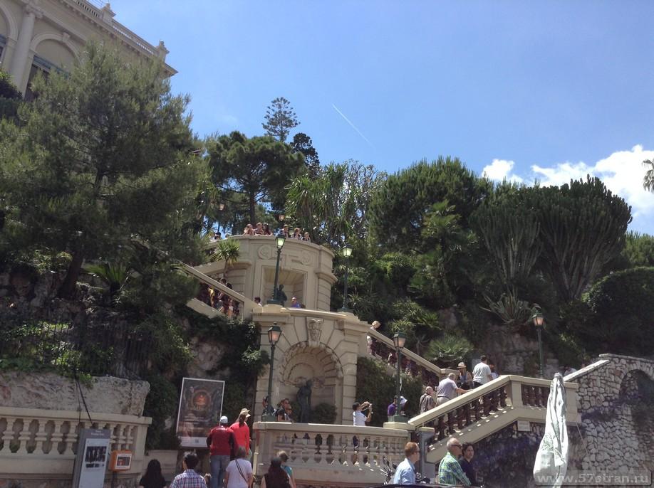 Лестница в Казино Монте Карло