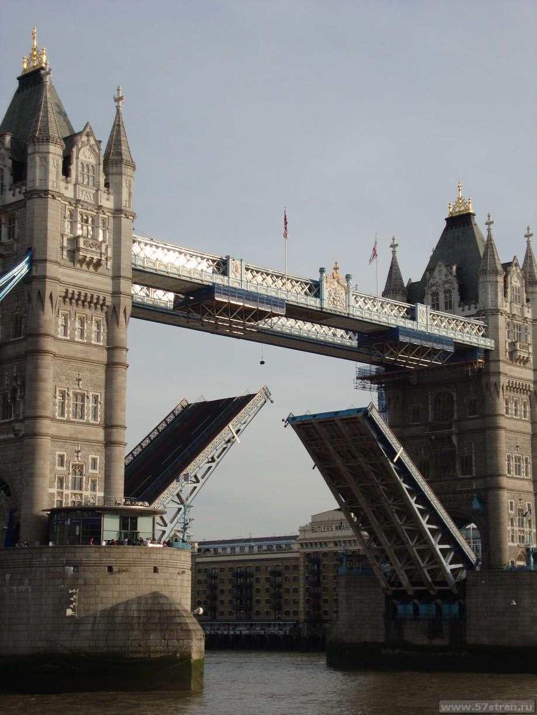 Развод Тауэрского моста