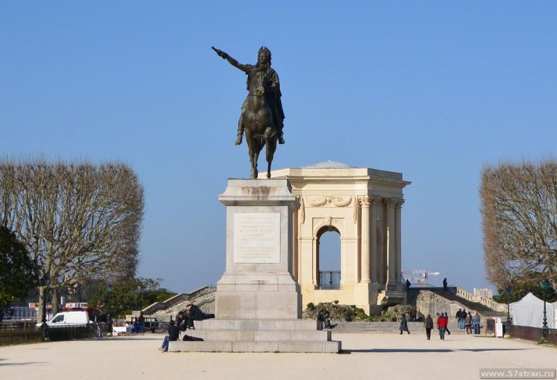 статуя Людовика XIV в Монпелье