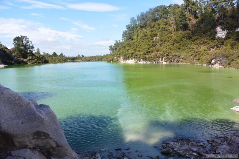 Геотермальное озеро