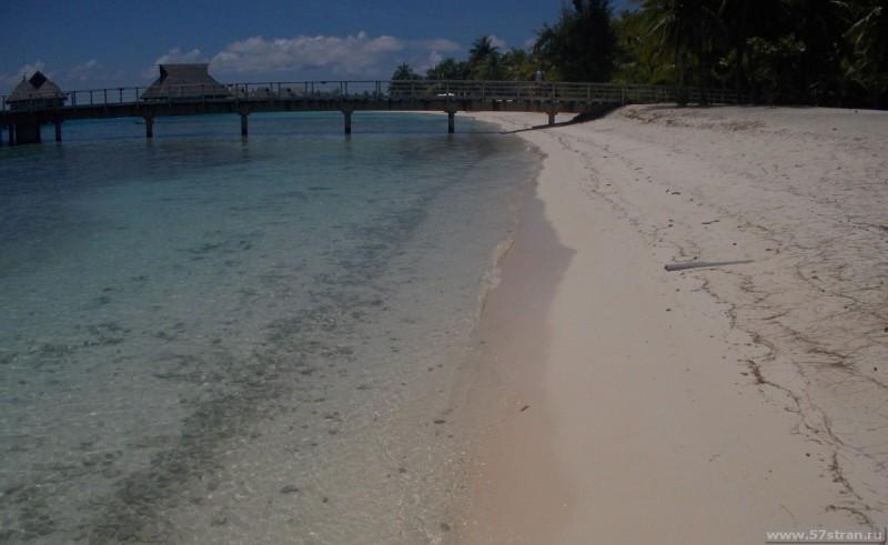 Бора-Бора грязный пляж