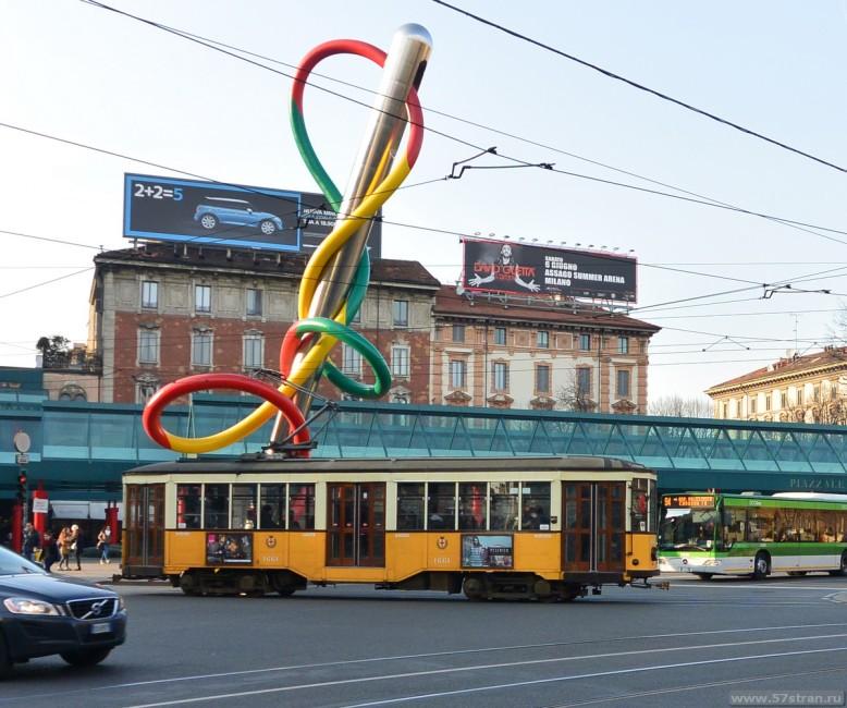 Раритетный трамвай в Милане