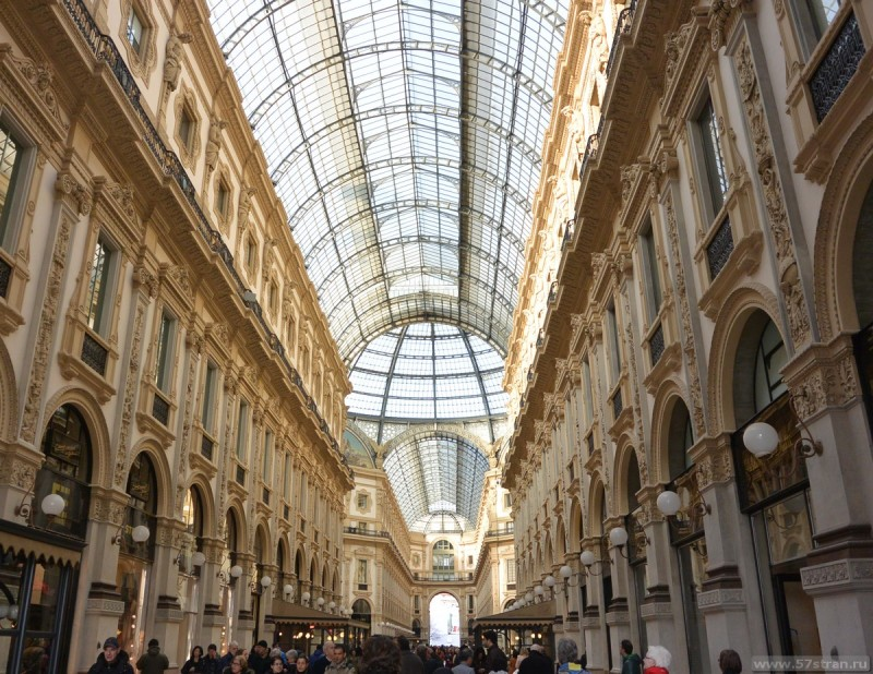 Интерьер галереи Витторио Эмануэле II