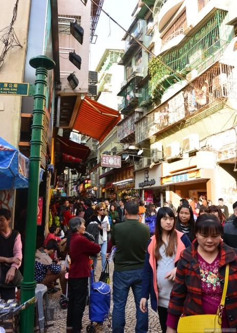 Много людей в Макао
