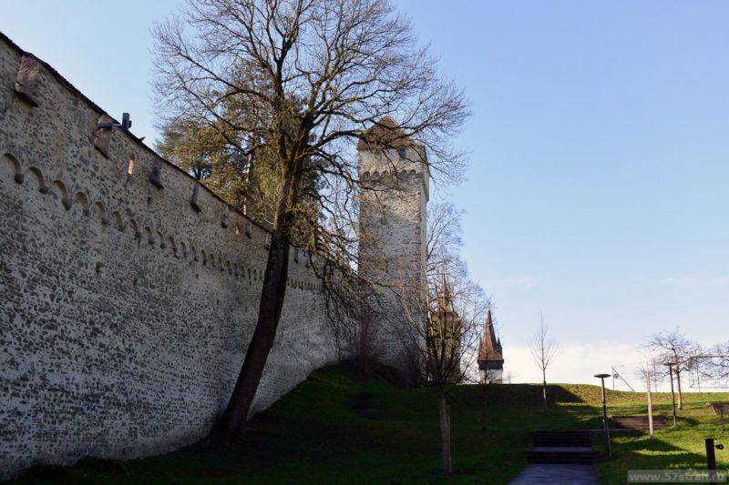 Люцерн - башенная стена