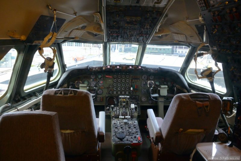 Люцерн - кабина самолета