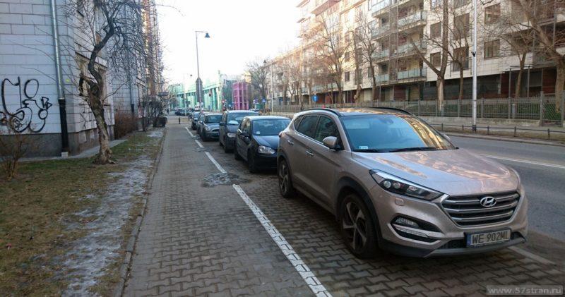 Варшава - парковка на тротуаре